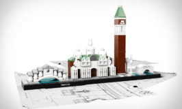 Urban LEGO Skylines : toy building Texas Coast?
